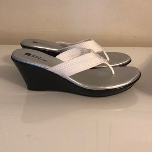 White Mountain Shoes - Women's Wedge Sandals.